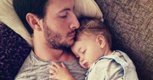 Read more about the article Beebiiga on mäletamist väärt: 9 magamata isa räägivad oma pöörastest ja naljakatest lugudest